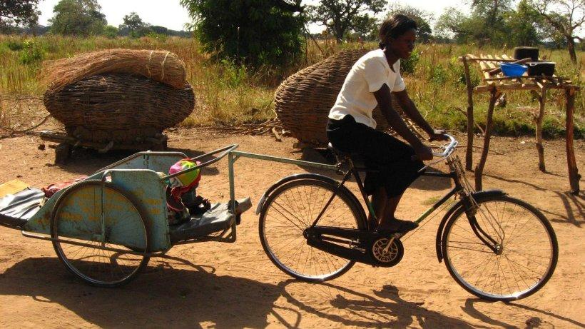 Fahrradambulanzen uganda